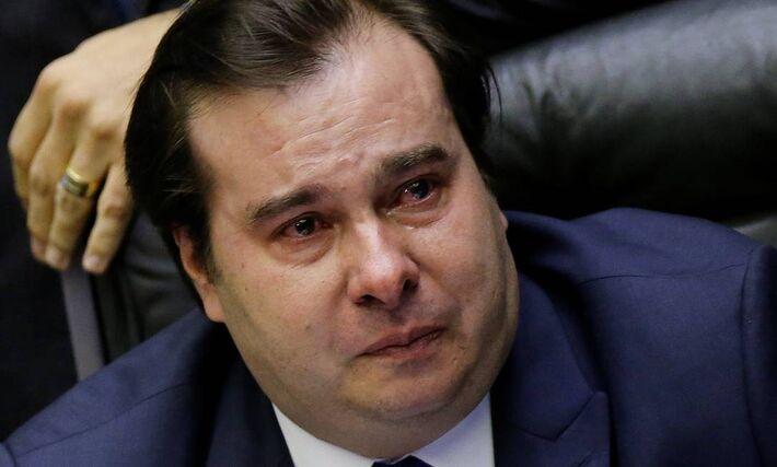 O presidente da Câmara, deputado Rodrigo Maia (DEM-RJ), se emocionou ao ser aplaudido e ter o nome ovacionado por parte dos deputados após a aprovação da Reforma da Previdência