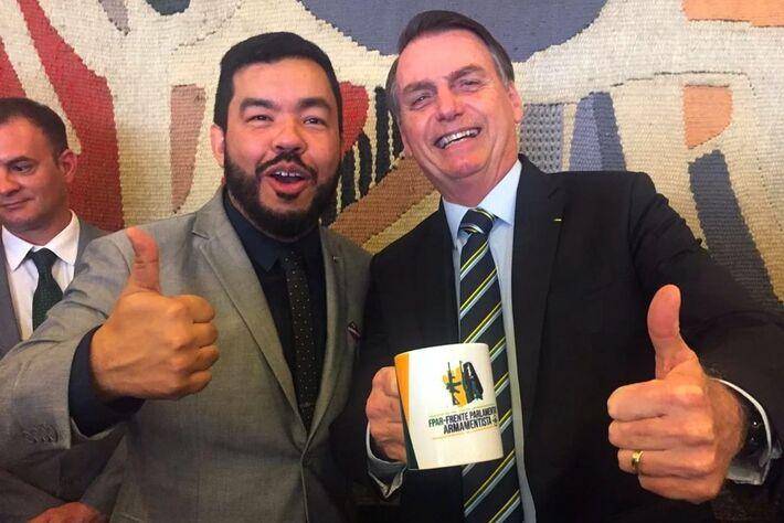 """Loester Trutis foi eleito na onda conservadora de 2018. Antes da posse, vendia """"Trump Burguer"""" em uma lanchonete em Mato Grosso do Sul."""