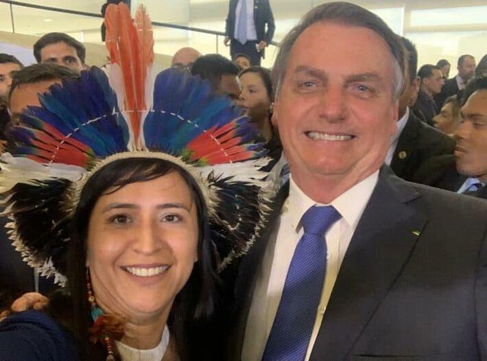 Sandra é ex-funcionária de Bolsonaro, pois esteve lotada em Cargo na pasta de Damares Alves