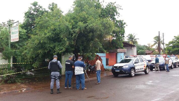 José Pereira Netto, de 81 anos, foi encontrado morto na área de casa com as mãos amarradas para trás, boca amordaçada e uma sacola na cabeça em Tangará da Serra