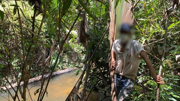Córrego da Onça, onde os trabalhadores tomavam banho e de onde tiravam a água para beber. Foto:  Córrego da Onça, onde os trabalhadores tomavam banho e de onde tiravam a água para beber.
