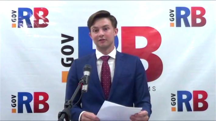 Lucas Forone tem 25 anos e foi eleito em 2020 à administração do município com 38 mil habitantes