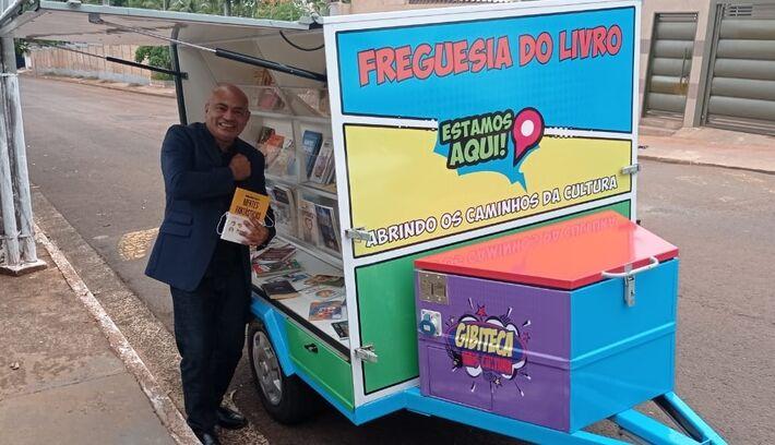 Projeto Freguesia do Livro, que rodará feiras da Capital quando for seguro, contou com doação do humorista Fábio Porchat