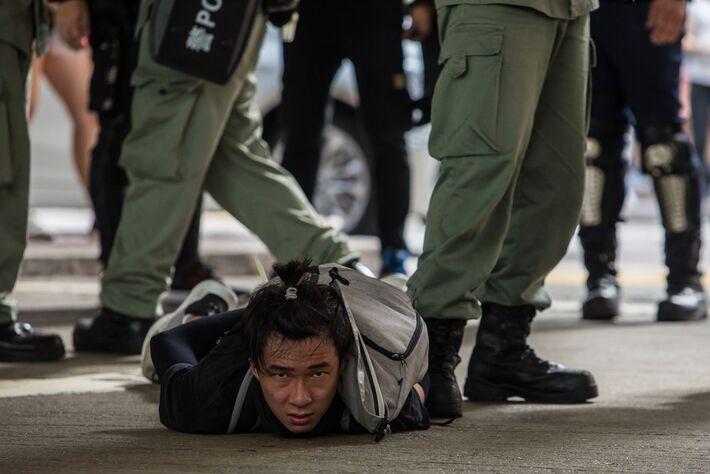 China evidenciou sua falta de democracia com o cerco contra liberdades e autonomia legal em Hong Kong.