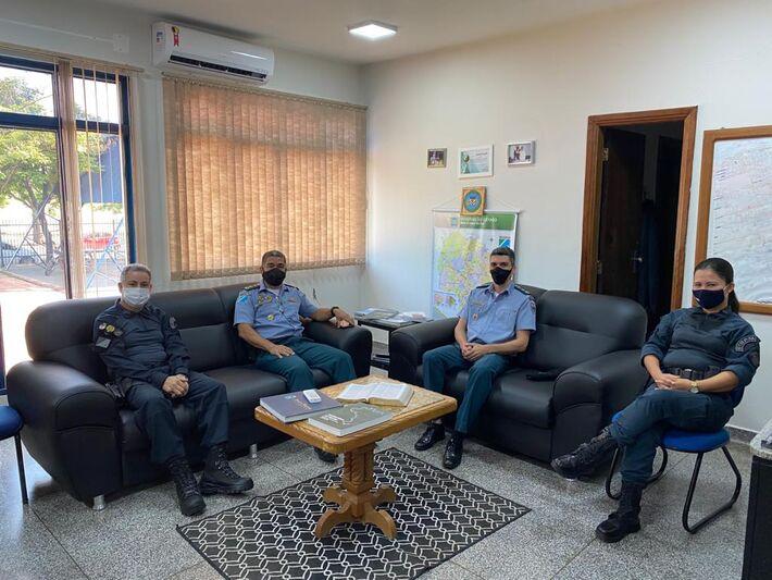 Coronel PM Hudmax e Major PM Custódio representaram a Corregedoria em visita ao 6º Batalhão da PM de Corumbá