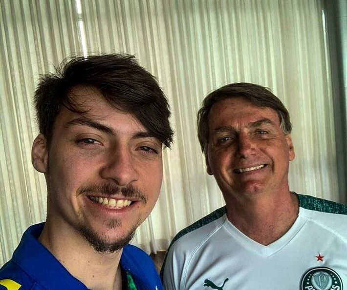 Jair Bolsonaro e o filho mais novo