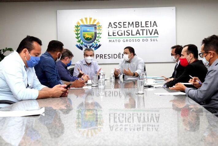 Tratativas com os representantes do frigorífico JBS garantiram que a unidade não feche em Coxim