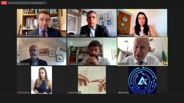 """Série """"Blended Webinars"""" terá o total de três encontros que discutirão a relação entre Brasil e Reino Unido no contexto de grandes desafios globais, como a pandemia da COVID-19 e a pauta ESG."""