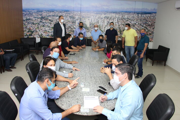 Vereadores disponibilizam suas redes sociais e contatos para que a população continue conectada aos serviços da Câmara Municipal