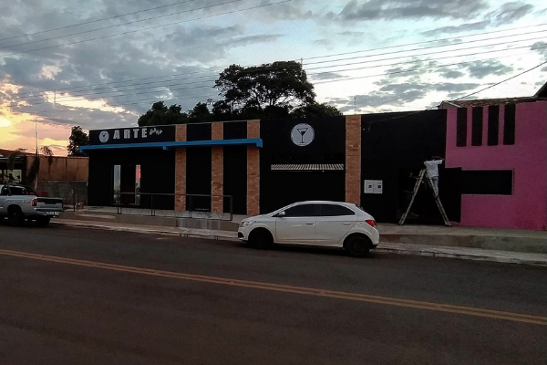 Arte Hall Pub no Centro de Antônio João