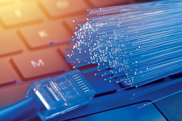 Crescimento da fibra óptica registrou aumento atípico chegando a 24,4% em 2020.