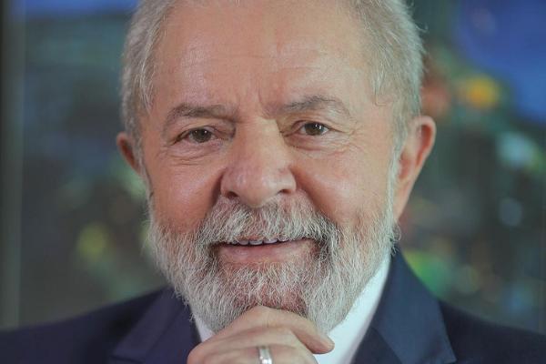 Lula teve devolvido direito político e é a principal força das eleições de 2022