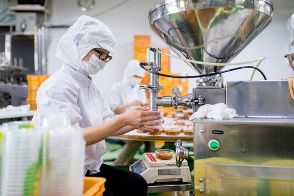 """Grupos  """"Celulose e papel"""" e """"Complexo frigorífico"""" respondem por quase 70% da receita das exportações do setor industrial, entre janeiro e abril."""