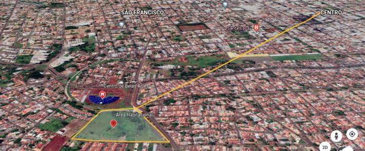 Mapa do Eart traça a distância correta de 2,44km até o Centro da cidade.