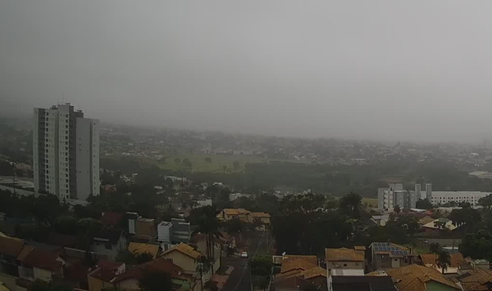Céu em Campo Grande durante o início da tarde.