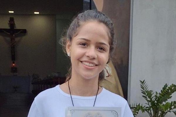 Karoline Vitoria Gesso está desaparecida desde essa terça-feira (11)  Foto: Facebook/Reprodução