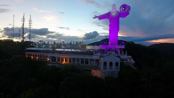 Monumento em Santa Catarina será iluminado no dia 19 de maio, das 18h00 as 19h00 e das 23h00 até as 06 da manhã de 20/05