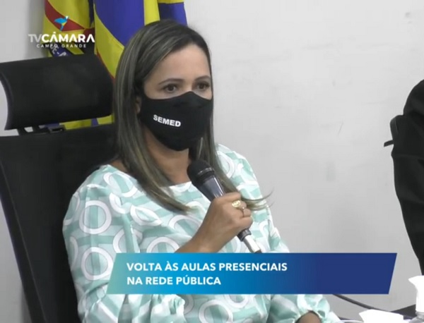 Elza Fernandes recebeu garantia do títular da Saúde Municipal, José Mauro, que 2ª dose dos professores será adiantada