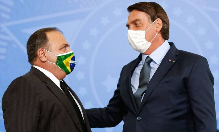O ministro Eduardo Pazuello e o presidente Jair Bolsonaro.