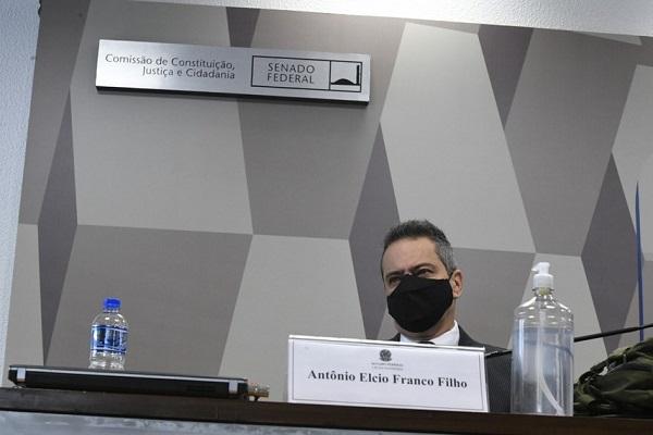 Elcio foi secretário-executivo do Ministério da Saúde entre junho de 2020 e março de 2021