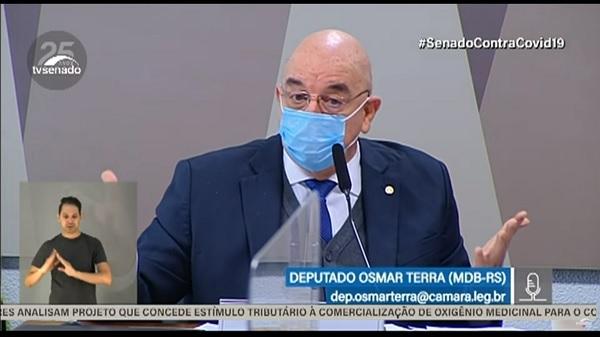 """Osmar Terra falou que presidente não teve """"caneta na mão"""" para tomar decisões contra pandemia"""