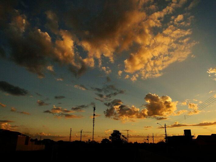 Céu de Dourados (MS). FOTO: Michel Adamo