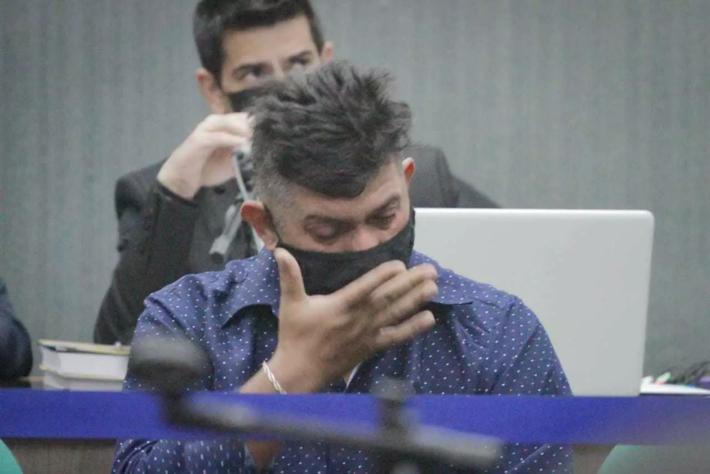 O agente de segurança Christian Daniel Barbosa, durante julgamento iniciado esta manhã em Campo Grande (Foto: Marcos Maluf   Campo Grande News))