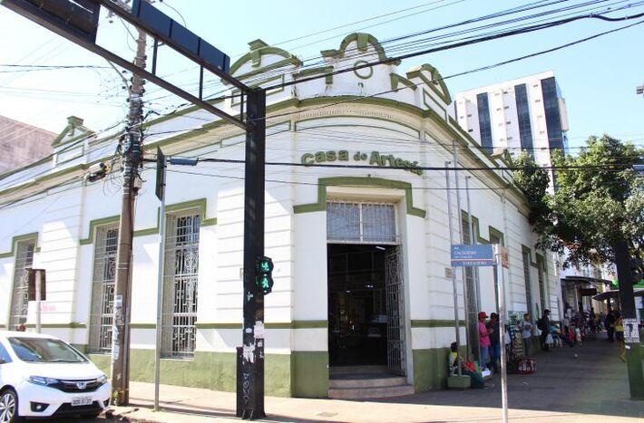 Esse é o prédio da Casa do Artesão, no Centro de Campo Grande.