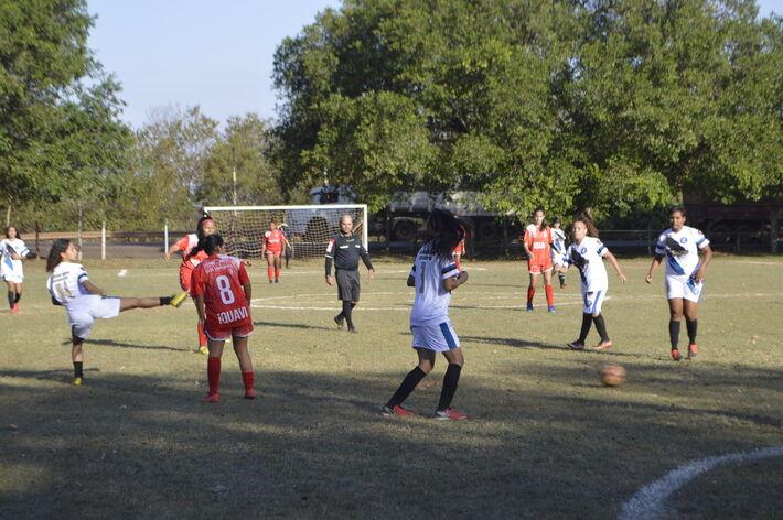 Futebol sendo retomado em Campo Grande.