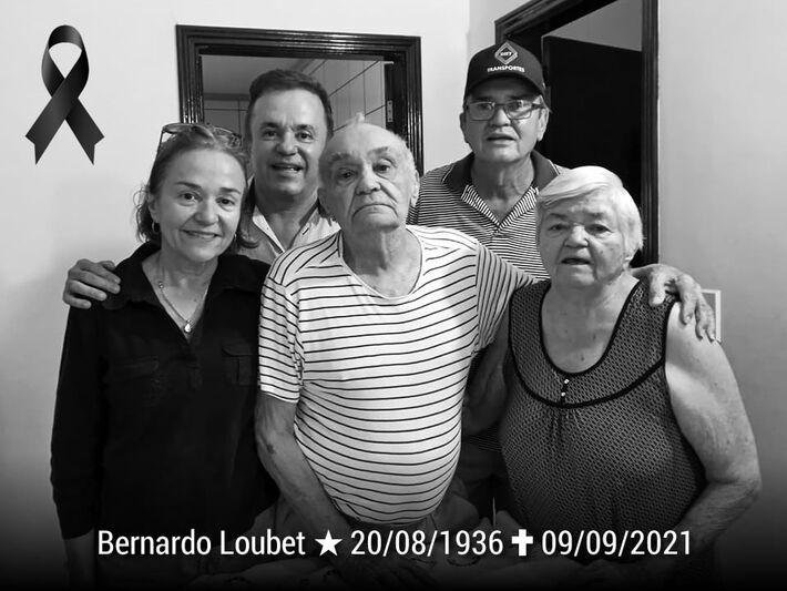 """Casado com """"Dona Beca"""", Bernardo era pai de Darlei (59 anos), Elizabeth (58) e Vander (57),"""
