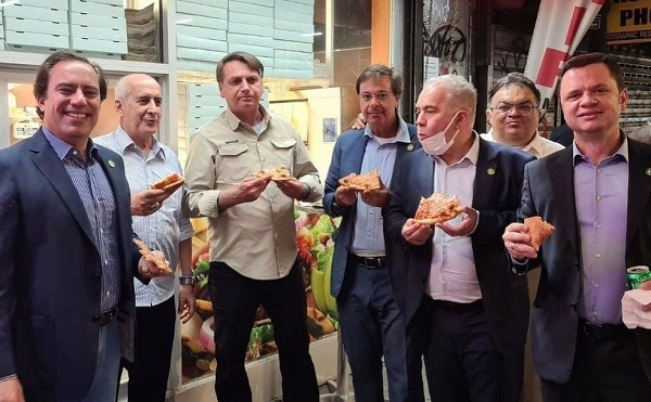 Pedro, à esquerda na foto, participou de encontro comBoris Johnson,o primeiro-ministro do Reino Unido.