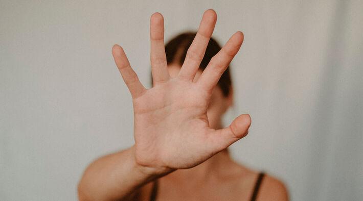 Na rede privada, houve mais relatos de violência sexual (16,3%) do que na rede pública (14,4%).