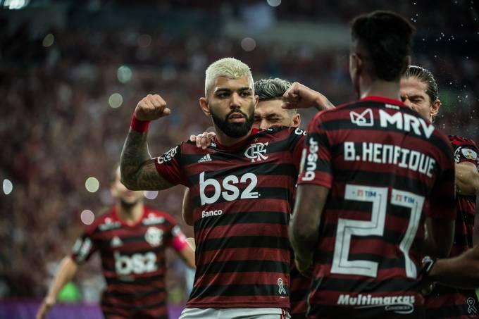 Flamengo: Quanto mais o povo seca, mais eles avançam