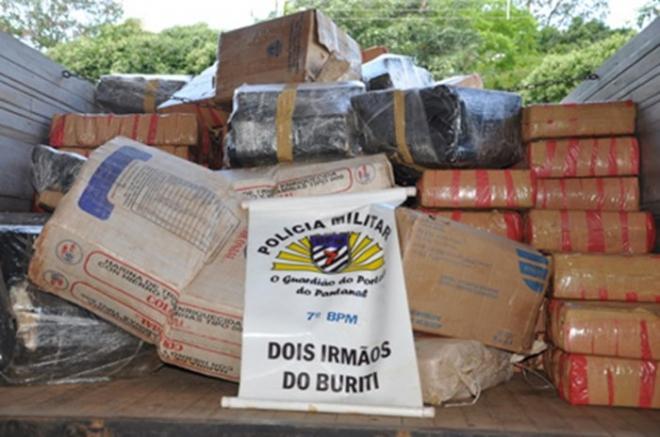 PM de Dois Irmãos do Buriti segura batedores e apreende mais de 2,7 toneladas de maconha<br />Foto: Divulgação