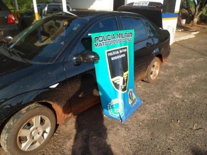 Carro é abandonado com mais de 180 quilos de maconha na MS-386<br />Foto: Divulgação
