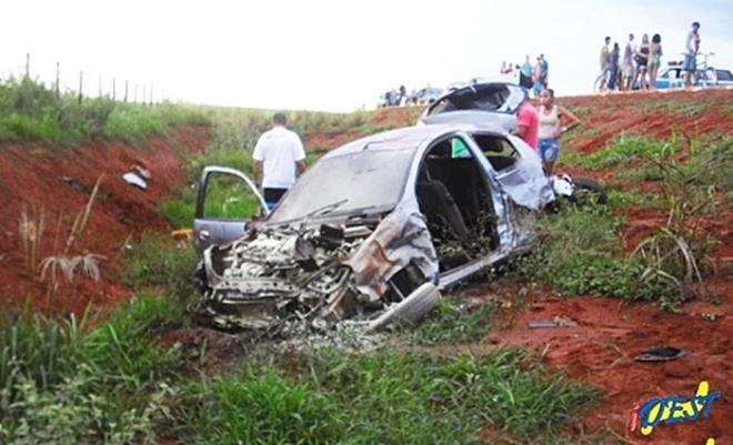 Colisão de dois veículos mata jovem de 29 anos e fere cinco na MS-430<br />Foto: Idest