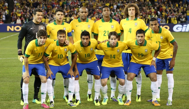 Brasil entrou em campo com duas alterações em relação ao time que goleou Honduras: Julio Cesar e Thiago Silva entraram na equipe titular<br />Foto: Mowa Press