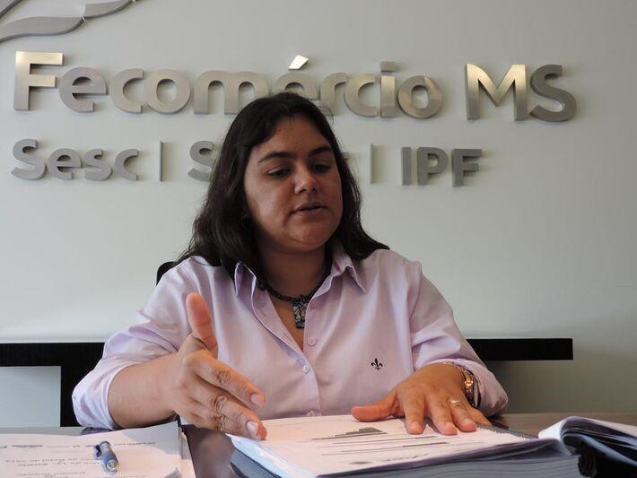 Regiane Dedé de Oliveira, economista da Fecomércio/MS<br />Foto: Klemerson Rocha