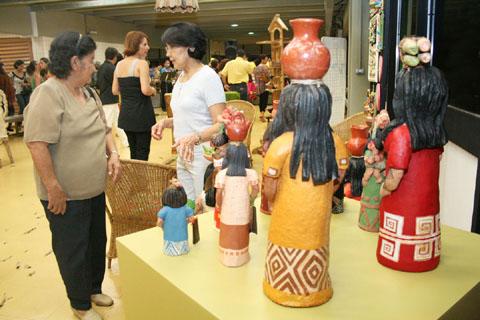 Foram convidados para participar da feira municípios do interior que receberam a capacitação do projeto Artesania.