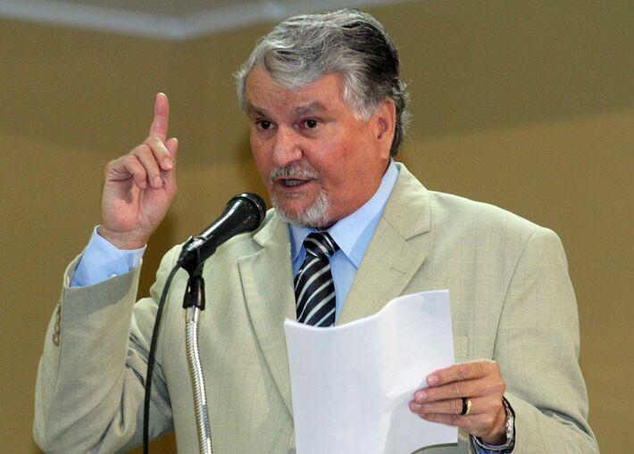 Para Zeca, a vinda de Lula ontem, prova que as alianças são fundamentais, afinal o ex-presidente defendeu diversas em discurso com militantes que ninguém governa sozinho, mas o PT precisa se unir a quem o deseja se unir a ele e compartilha ideais. Zec