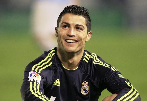 """</p> <p style=""""text-align: justify"""">Casemiro vive má fase no Real Madrid e pouco tem sido utilizado pelo técnico Carlo Ancelotti. Mesmo assim, se diz feliz por atuar ao lado de jogadores como Cristiano Ronaldo. E para o volante brasileiro, o português de"""