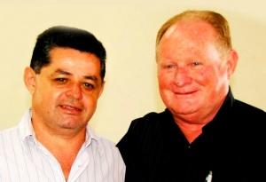 À esquerda, vice José Ailton Nunes e prefeito Darcy Freire