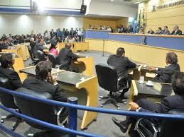 """</p> <p style=""""text-align: justify"""">Durante a reunião entre o secretário de governo Pedro Chaves (PSC) e o presidente da Câmara Municipal, Mário Cézar (PMDB), os vereadores reivindicaram para o secretário que o prefeito termine as UPAs (Unidades de pront"""