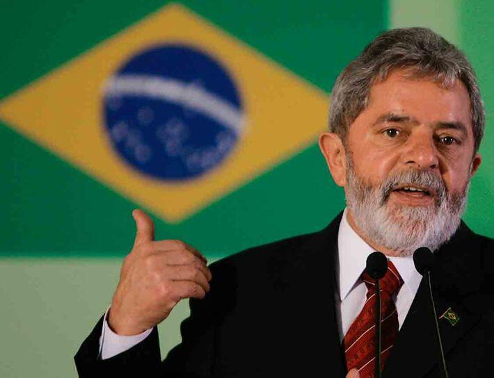 Na manhã de hoje, o advogado-geral da União, ministro Luís Inácio Lucena Adams, defendeu o programa e explicou que ele vai além da contratação de médicos estrangeiros.