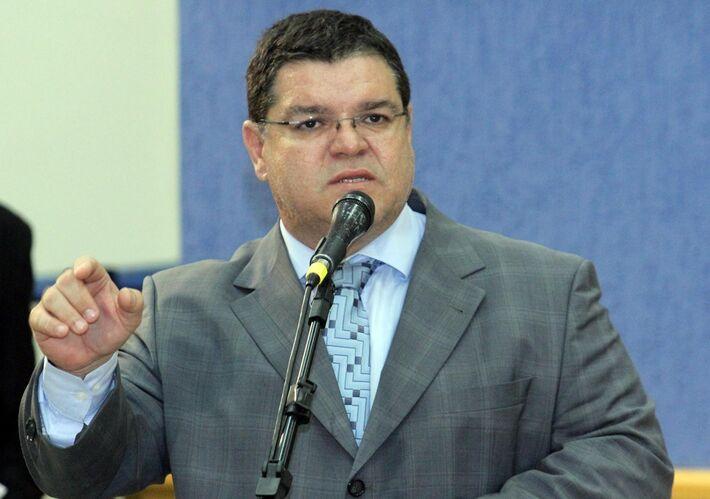 """</p> <p style=""""text-align: justify"""">O vereador Paulo Pedra (PDT) declarou na manhã de hoje que o PDT possui uma coligação aberta para o PT e o PMDB nas eleições de 2014.</p> <p style=""""text-align: justify"""">""""Teremos uma coligação aberta para o PT apoiando"""