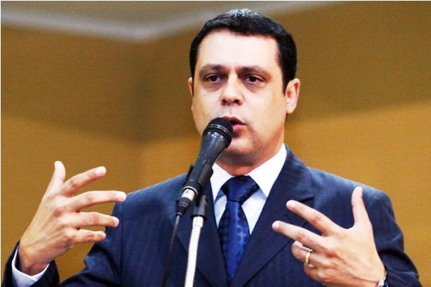 """</p> <p style=""""text-align: justify"""">O vereador Flávio César (PT do B) afirmou que a cassação dos vereadores Delei Pinheiro (PSD), Thais Helena (PT), licenciada para atuar na SAS (Secretaria Municipal de Assistência Social) e Paulo Pedra (PDT) não vai dei"""