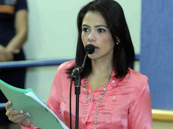 """</p> <p style=""""text-align: justify"""">A vereadora Grazielle Machado (PR) disse hoje pela manhã que o orçamento apresentado pela prefeitura de Campo Grande veio mais uma vez com erros no relatório. Desta vez o quadro que apresenta os recursos para a educaçã"""