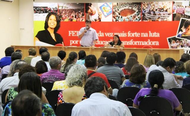 """</p> <p style=""""text-align: justify"""">Representantes da Fetems (Federação dos Trabalhadores em Educação de Mato Grosso do Sul) estiveram nesta tarde na Governadoria do Estado localizada no Parque dos Poderes em Campo Grande.</p> <p style=""""text-align: just"""