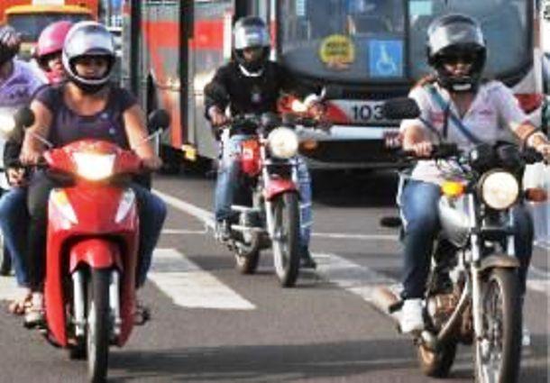 """</p> <p style=""""text-align: justify"""">O parcelamento do Seguro Dpvat foi mantido pela Seguradora Líder que administra o serviço. A possibilidade de parcelamento continua sendo para proprietários de motocicletas, ônibus, micro-ônibus, como aconteceu neste a"""