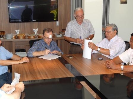 Acordo do horário selado entre patrões e empregados<br />Foto: Divulgação